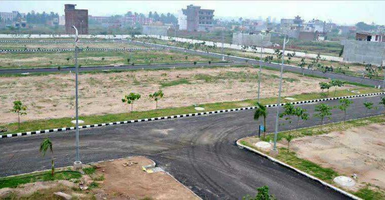 I-12/1 30×60 civic centre road plot available for sale